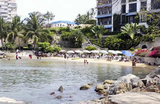 Manzanillo and Honda Beaches in Acapulco